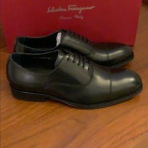 Salvatore Ferragamo men's black cap toe shoes